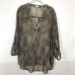 Teenbell Roll tab sleeve sheer blouse